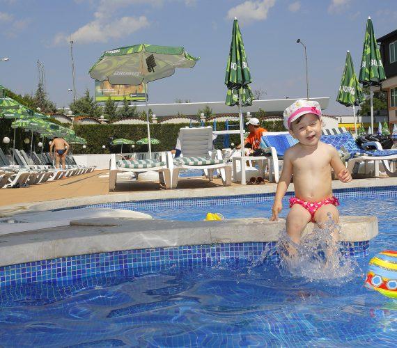 Невероятен детски басейн в София