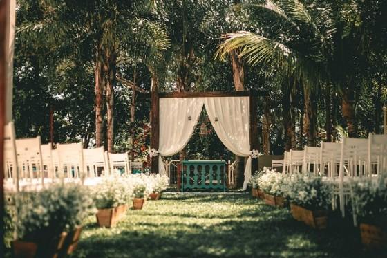 модерна сватба на открито