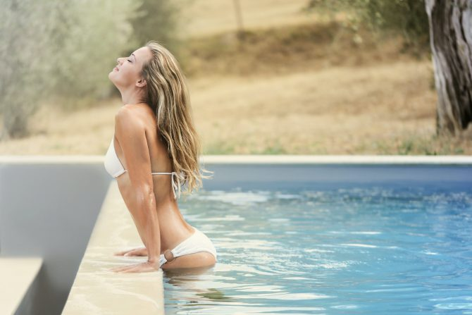 woman-at-the-pool