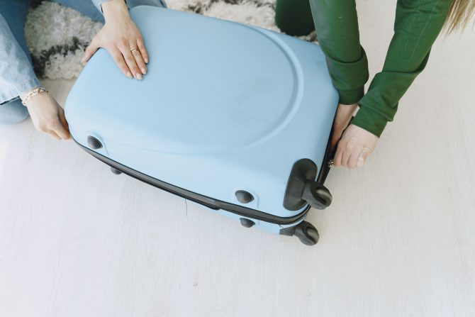 опаковане на куфар
