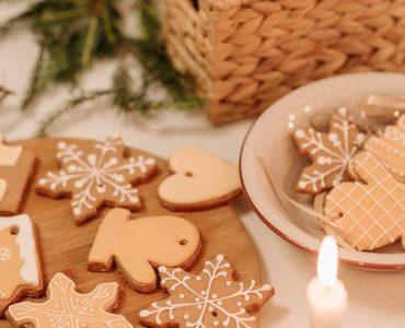 Коледни сладки за уютно празнично настроение у дома