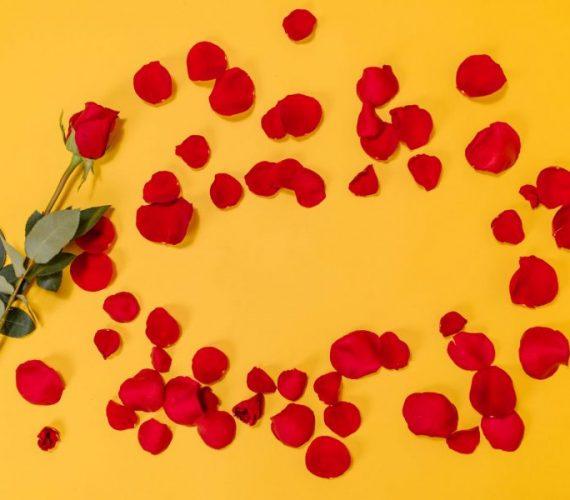 Подаръци за Свети Валентин за него и за нея – 5+5 идеи