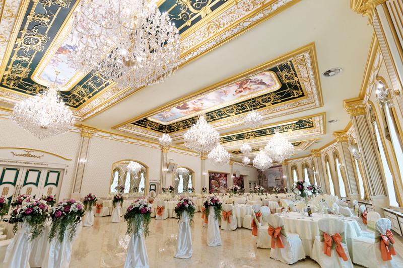 Голям ресторант в София